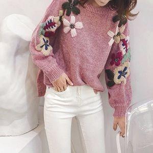 Sweaters - SALE! ⬇️$48 Grey Floral Appliqué Oversize Sweater